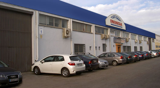 Fábrica y oficinas de invernaderos Ininsa