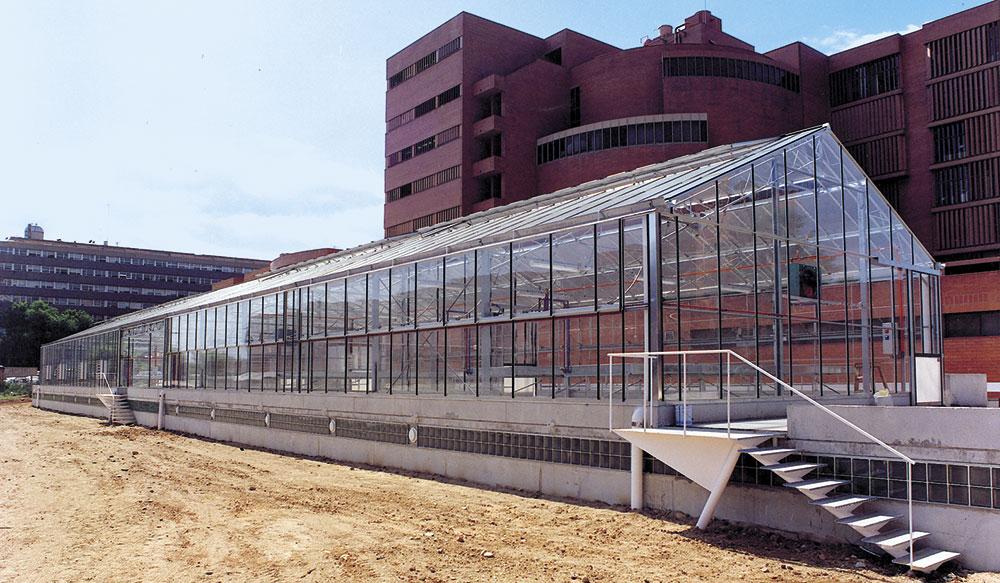 Exterior de invernadero modelo PW para investigación